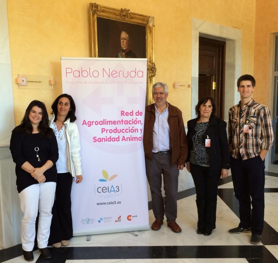 Miembros de Redapsa en su visita a Córdoba